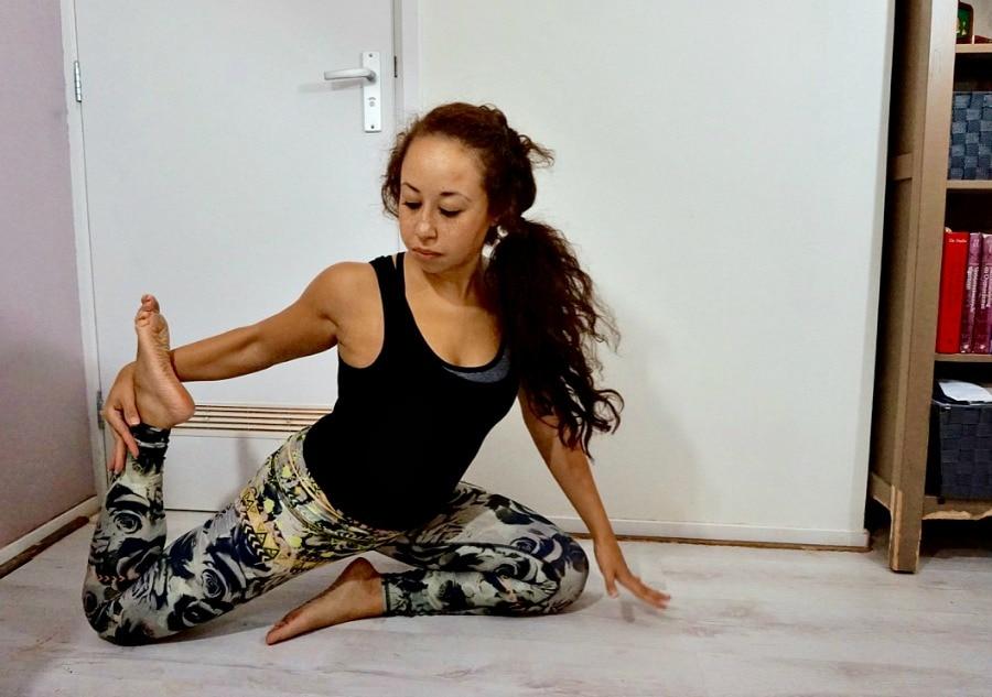 plastic yogakleding 2 - Yogakleding van plastic