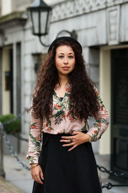 Fair fashion outfit | Fleurige rose blouse met bio-katoenen rok van webshop watMooi (+ kortingscode)