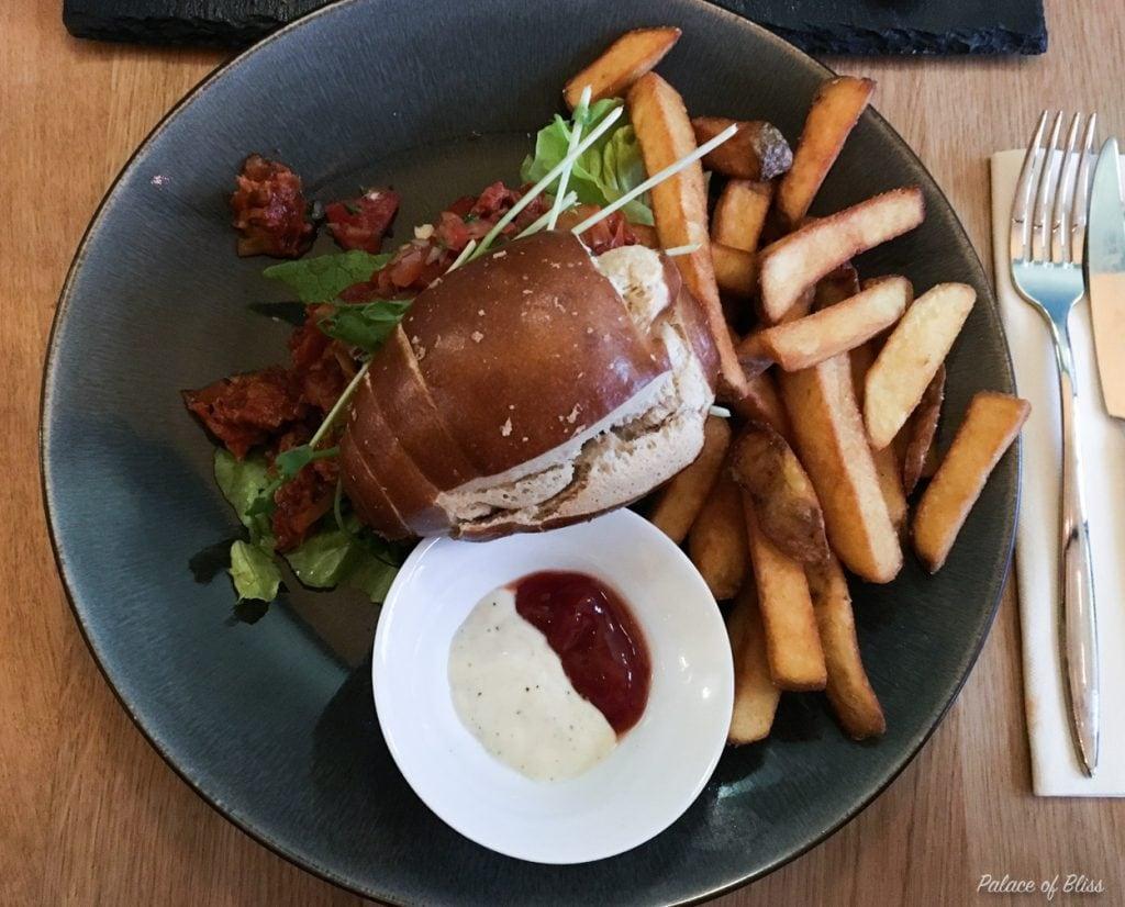 Nieuw vegan restaurant in Amsterdam: Mr. & Mrs. Watson