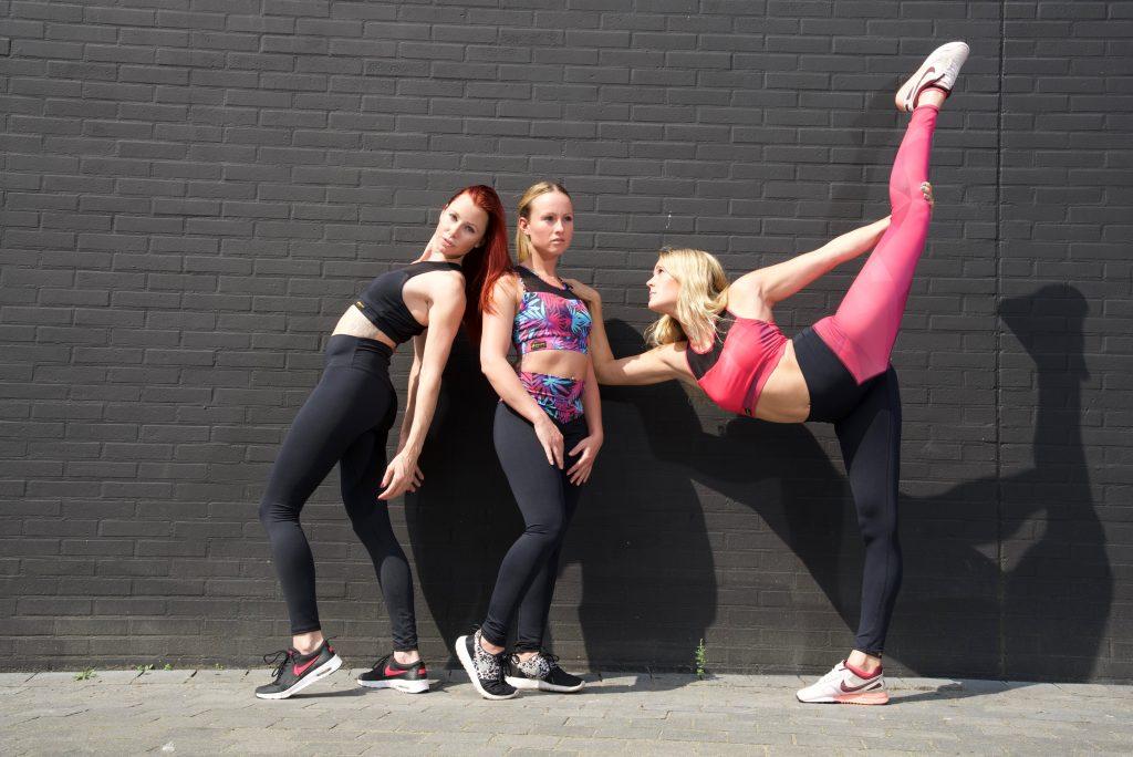 al three - Interview met Cai Janssen van Flexmonkey: Bewuste yoga & paaldanskleding