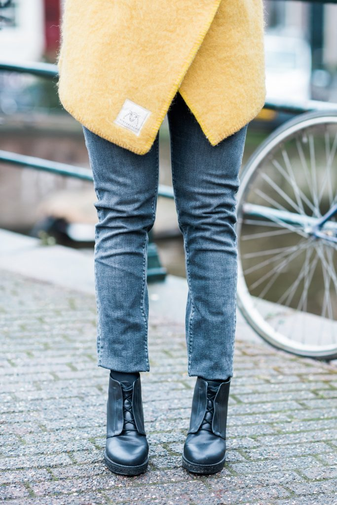 In deze fair fashion outfit vind je een jas van Wintervacht, een jeans van Mudjeans en schoenen van Matt & Natt / In this fair fashion outfit you find a jacket from Wintervacht, a jeans from Mud Jeans and schoes from Matt & Nat