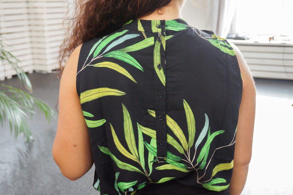 In deze blog lees je een review over de Olive Print top van het duurzame kledingmerk Alchemist. Deze kreeg ik van duurzame kledingwebshop watMooi.