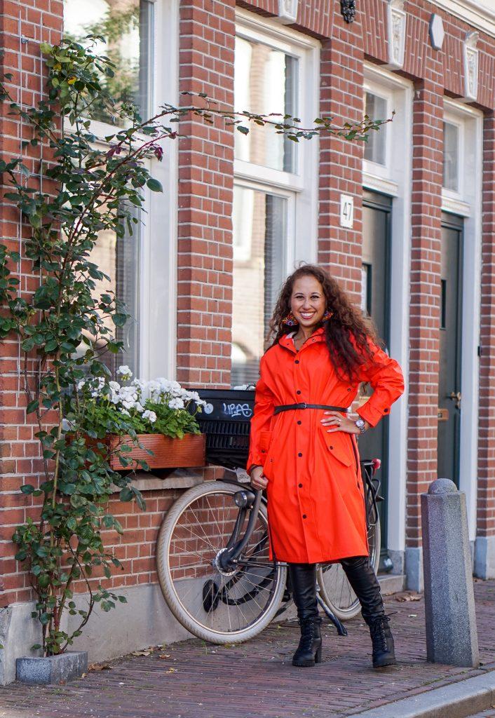 Maium regenjas 3 - Fair fashion outfit: kleurrijke & stijlvolle regenjas van Maium